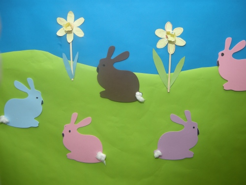Easter craft with kids - daffodils and bunny rabbits