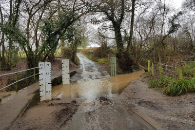 Ford on Webheath to Bank's Green Walk